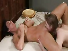 Young Girl Gives Mature Women Full Body Orgasm