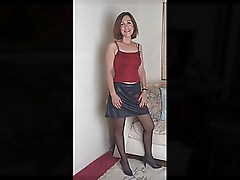 MATURE LADIES AND MILFS SLIDESHOW 1