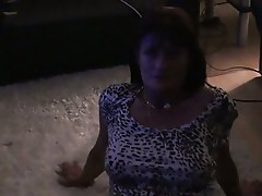 MILF PLAYS AND SUCK COCK1234