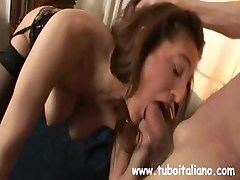 Chubby mature Italian wife with saggy natural tits juggles the phone and his cock