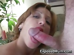 MILF mom happily sucking cock part3