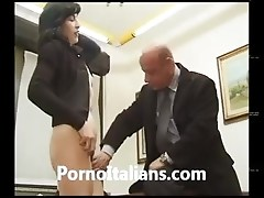 Matura milf italiana pompino in ufficio  - italian mature blowjob the office