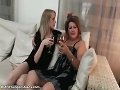 Nasty mature woman gets horny making out part6