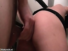 Horny mature woman enjoys being fucked part1