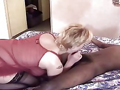 Mature BWW white woman gets fucked by black guy