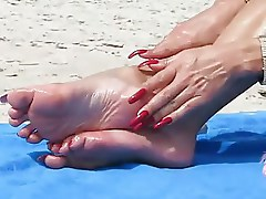 Elegant mature feet
