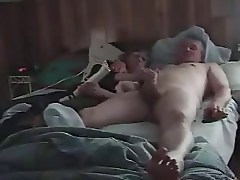 Older couple fuck on bed