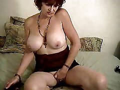 Mature BBW Masturbating and Squirting on cam