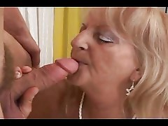 Mature Milf Fingering and Fucking