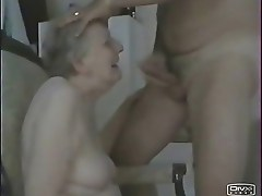 Having fun with my old houseservant. Amateur