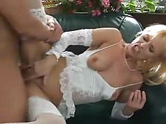 Mature Hot Mom in Lingerie Gets Anal