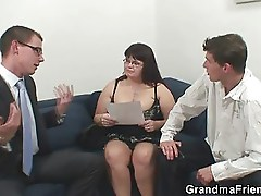 Super-busty mature threesome action