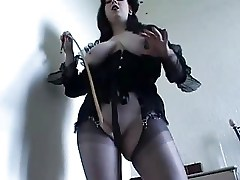 Domme in Nylon Stockings