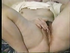hairy milf fingering