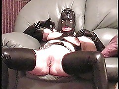 MISS RUBBER PLAYS WITH HER PIERCED NAUGHTY BITS